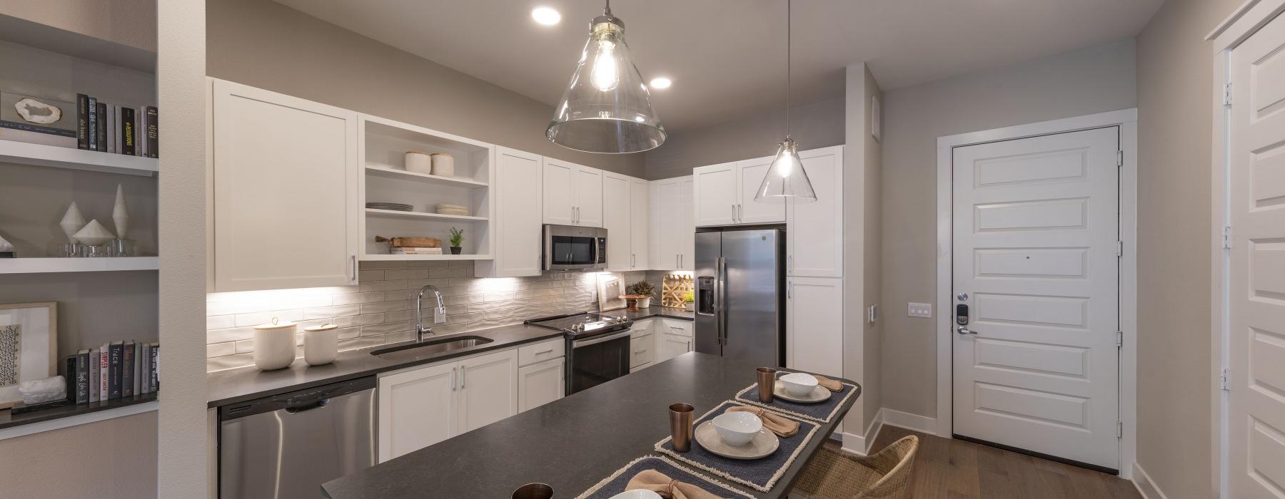 Arc white kitchen