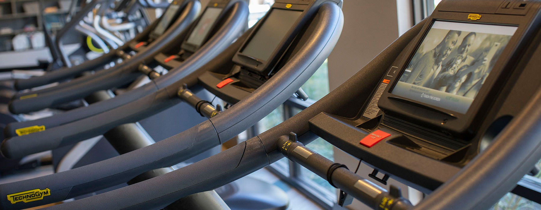 fitness center workout machines